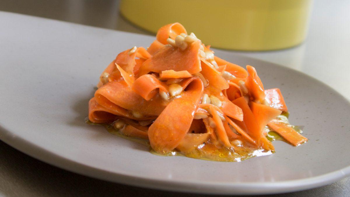 Salata sa šargarepom