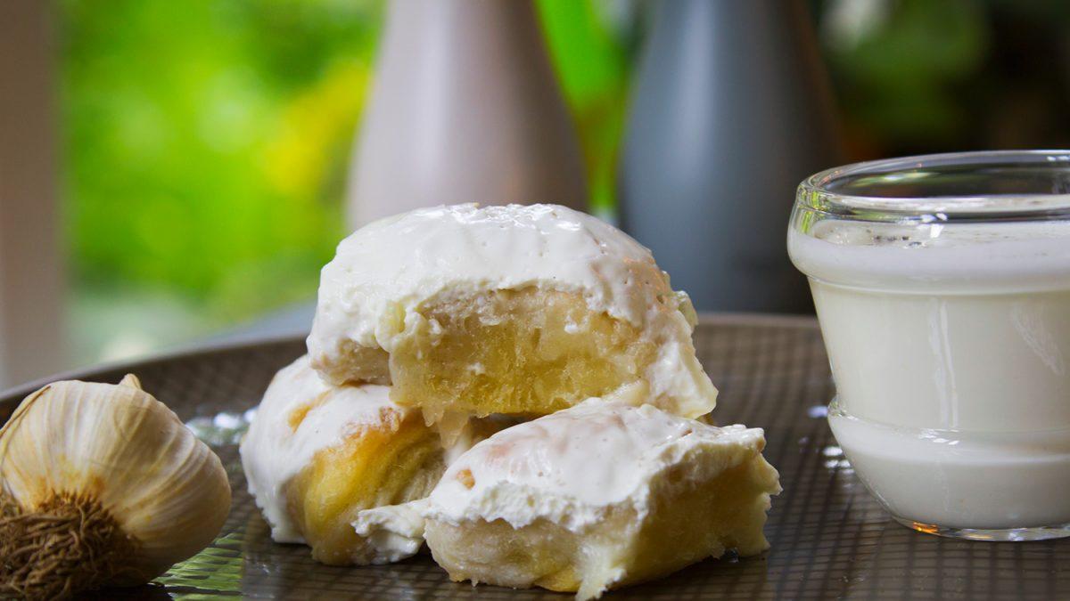 Samsa – lisnato testo sa kiselim mlekom i belim lukom