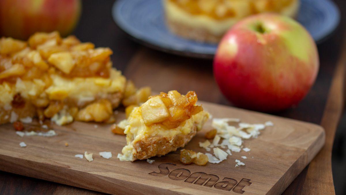 Torta sa jabukama, keksom i kokosom